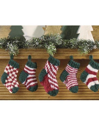 Free Knitting Patterns For Xmas Socks : Free Christmas Knitting Patterns - Mini Christmas Stocking Set -- Free Christ...